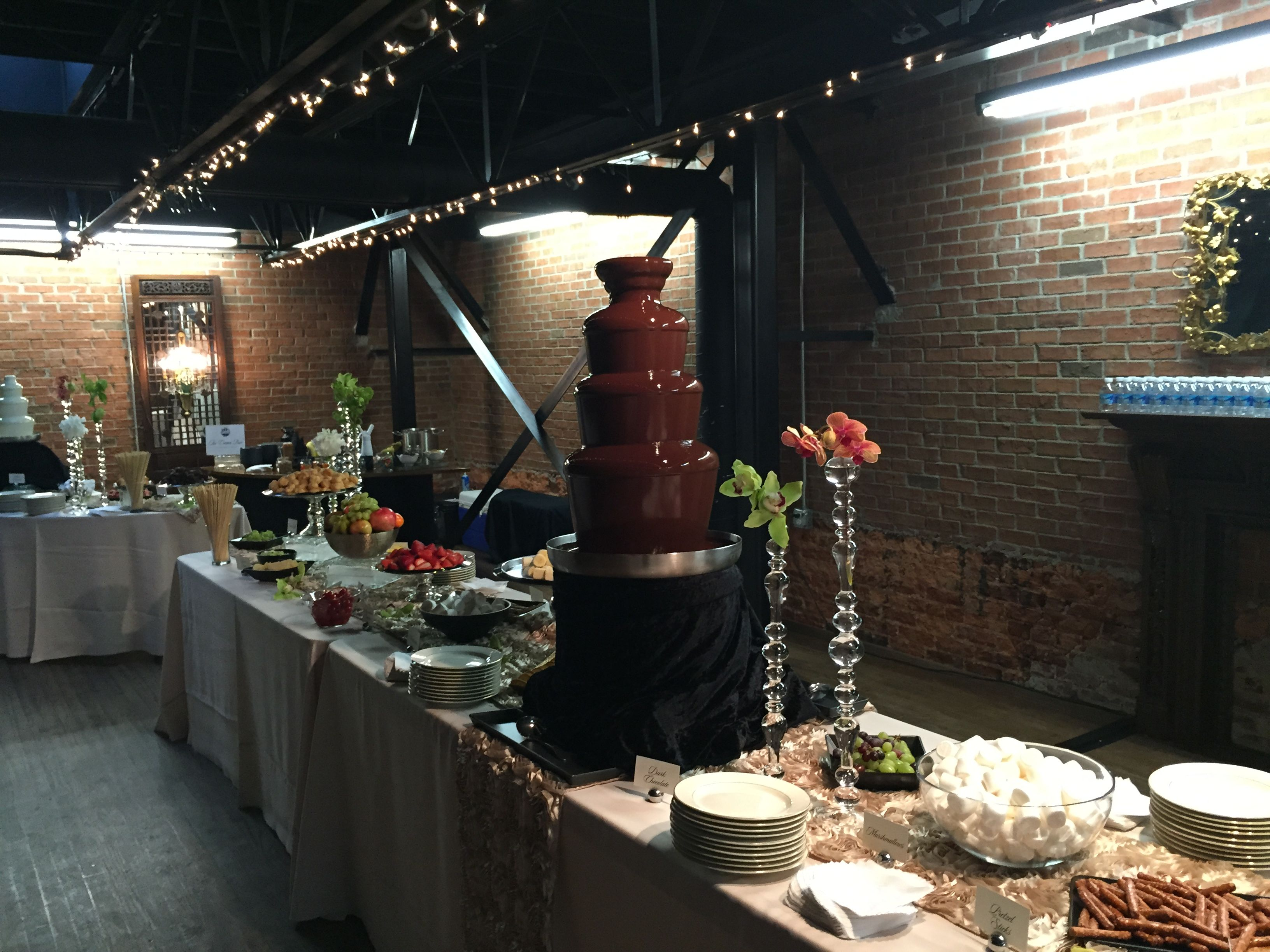 Chocolate Fountains | Gourmet Cafes
